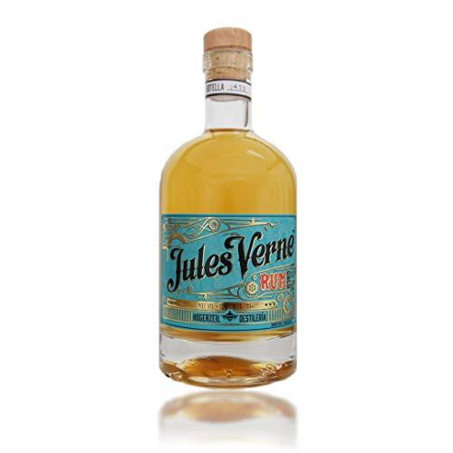 Jules Verne Gold Pure Single Barrel Rum – Mild-würziger Rum aus Paraguay – Ideale Spirituose als Aperitif, Digestif oder für Cocktails – 1 x 0,7l Kristallflasche mit Naturkorken