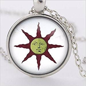 Dark Souls - Collar con colgante de cristal solar, diseño vintage