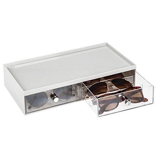 mDesign Cajas para gafas de sol – Cajoneras de plástico con 2 cajones y 3 compartimentos en cada cajón – Organizador de armarios para guardar todo tipo de gafas – gris claro/transparente