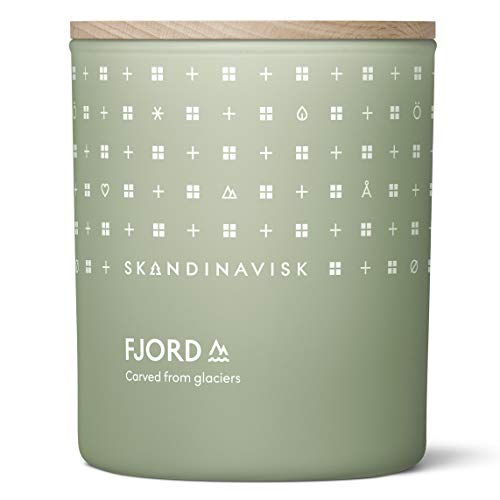 Skandinavisk FJORD Scented Candle, Scent notes: Apple and pear blossom, orchard fruits and redcurrants. 200 g.