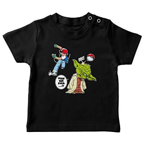 T-Shirt bébé Noir Parodie Star Wars - Pokémon - Yoda et Sacha Ketchum - What The.!? (T-Shirt de qualité Premium de Taille 24 Mois - imprimé en France)