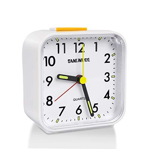 Silencioso Reloj Despertador Digital,Mini Reloj Alarma Portatil con Luz de Noche,Sonido Potente,...