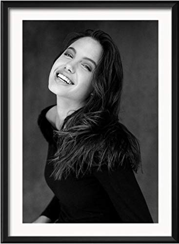 HUYUEXIN Canvas Poster Angelina Jolie Sexy Hot Movie Star Acrtess Black and White Smoking Canvas Poster Prints Portrait Pictures Wall Art Decor Mural 50 * 70Cm Value For Money No Frame