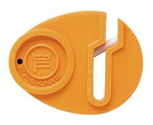 Fiskars Afilador de Tijeras Sewsharp, Stainless Steel, Standard, 0.4 x 3.7 x 4.8 cm