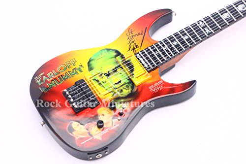 RGM126 Kirk Hammett METALLICA Mummy Guitarra en miñatura