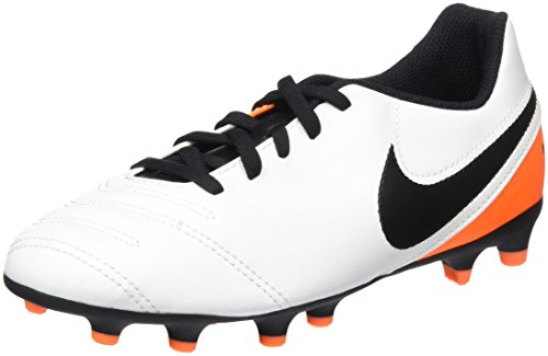Nike JR Tiempo Rio III FG, Scarpe da Calcio Unisex – Bambini, Bianco (White/Black-Total Orange), 38.5 EU