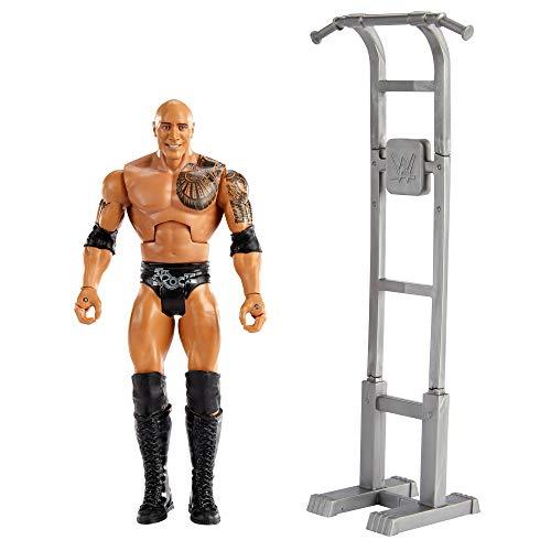 WWE Wrekkin The Rock destroza rivales, muñeco articulado de juguete con torre de entrenamiento y accesorios (Mattel GVJ35)