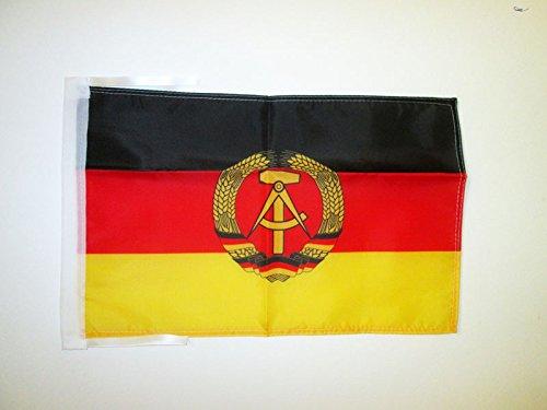 AZ FLAG Flagge DEUTSCHE DEMOKRATISCHE Republik 45x30cm mit Kordel - DDR Fahne 30 x 45 cm - flaggen Top Qualität