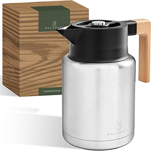 WALDWERK Thermoskanne (1,4L) - Kaffeekanne aus doppelwandigem 304 Edelstahl und mit edlem Holzgriff - Isolierkanne mit tropffreiem Ausguss
