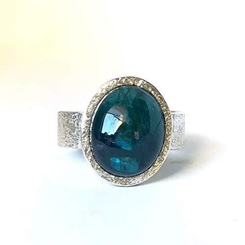 Precioso anillo para hombre con magnífica Turmalina Indicolita (azul) de medidas 14,8 mm x 12,3 mm y 10.04 quilates.
