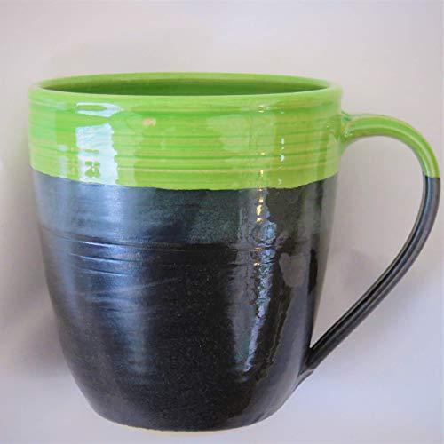 Tasse, Regenbogentasse grün, handgetöpfert, Höhe ca. 11 cm, Inhalt ca. 0,5 l Steinzeug