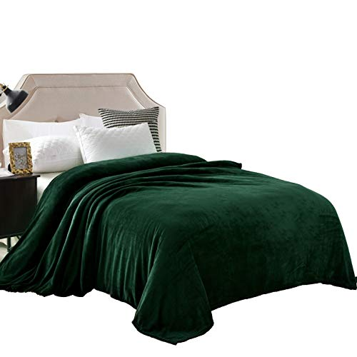 Exclusivo Mezcla Luxury King Size Flannel Velvet Plush Solid Bed Blanket as Bedspread/Coverlet/Bed Cover (90' x 104', Forest Green) - Soft, Lightweight, Warm and Cozy