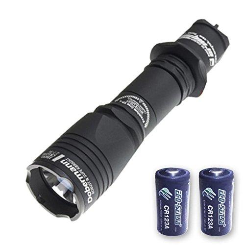 Armytek NEU Upgraded Dobermann Pro V3xhp35Hi Taschenlampe -1400Lumen, kühles Weiß w/2x Gratis eco-sensa Premium CR123A Batterien