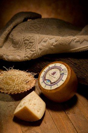 Pecorino Sardo Dop maturo. 3 kg. Halbgewürzter Schafskäse, hergestellt von Sepi Formaggi auf Sardinien