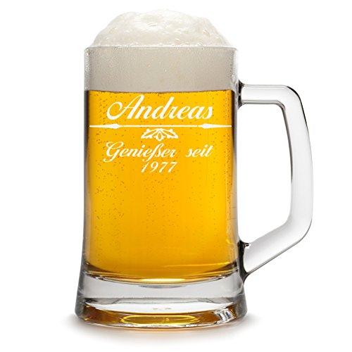 polar-effekt Bierkrug Personalisiert mit Gravur eines Namens und Jahreszahl - Bierseidel Geschenk zum Geburtstag - Motiv Pfeil mit Ornament 0,5l