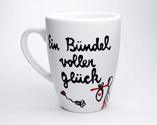 Geschenk für Hebamme, Tasse, handbemalt und personalisierbar, Ein Bündel voller Glück, Kaffeebecher