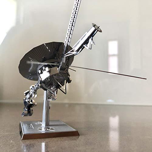 Metal Earth Voyager Spacecraft Metal Model (Fascinations MMS122)