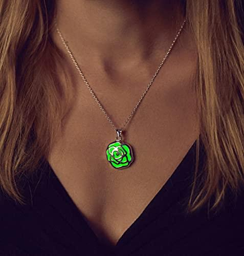 YQMR Collares Luminoso Colgante,Señoras Noche Brillante Colgante Verde Plata Ahueca hacia Fuera El Collar De Modelado De Flores Diseño Único Regalo De Joyería para Mujeres Día De Cumpleaños O La Fi