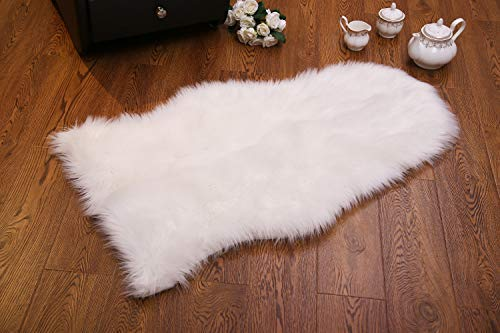 URCHICHARITO-Ivory White Area Rugs for Bedroom Soft Faux Sheepskin Fluffy Rugs with Anti-Slip Back Cover Furry Rugs for Floor, Sofa, Car Seat, 12 10.5 Inches