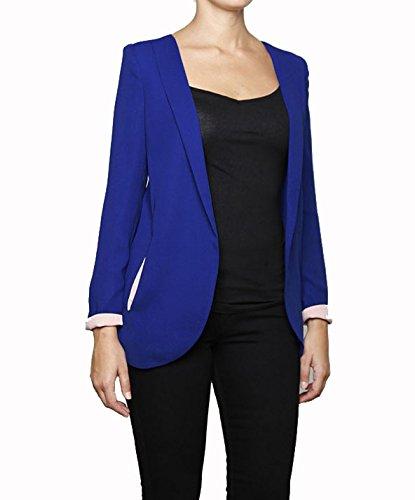 LAVAND - Blazer Azul Klein con Detalles Interiores en Color Rosa pálido