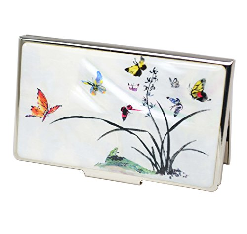Phantasie Visitenkartenetui mit natürliche Perlmutt Dekorationen. Design Pflanzen und Schmetterlinge auf hellem weißem Hintergrund