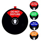 """Cartello con scritta in inglese """"Kichwit"""", """"Do Not Disturb"""", """"Out of Office, Ple..."""