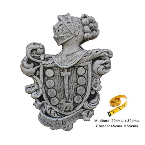 Talla de piedra artificial de 1 escudo heráldico de apellido.
