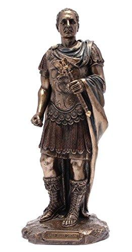Statue Gaius Julius Caesar in römischer Militäruniform, bronzefarben