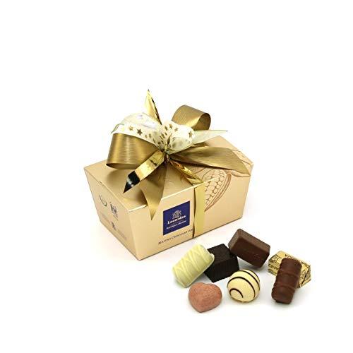 Leonidas Pralinen | 240g handverlesene belgische Pralinen Mischung mit individuell handgefertigter Schleife in goldenem Pralinen Ballotin, ideal als Geschenk oder zum Selbernaschen (Gold)