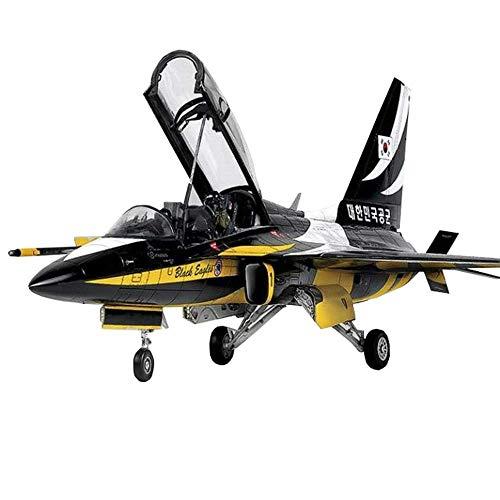 JHSHENGSHI Fighter Puzzle Kunststoff-Modellbausätze, Korea Rokaf T-50B im Maßstab 1:48, schwarzes Eaqlea-Trainermodell, Spielzeug für Erwachsene, 18 x 11,7 Zoll