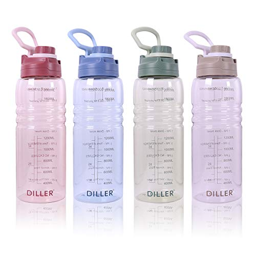 Diller Half Gallon Water Bottle with Straw - 64 Oz BPA Free Sports Bottle with Time Maker Leakproof Half Gallon Jug for Fitness Camping (Green)