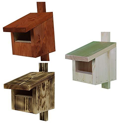 Set aus drei verschiedenen Vogelhäuschen für Redstarts, Amseln, Rotkehlchen und Turmfalken in verschiedenen Farben