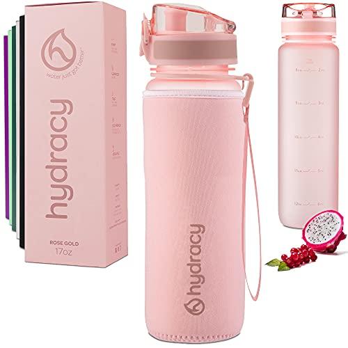 Hydracy Botella de Agua 1 Litro con Marcador de Tiempo - Sin BPA con Filtro de Infusión de Frutas - Antigoteo y sin Sudor - Ideal para el Ejercicio y los Deportes al Aire Libre - Rosa Gold