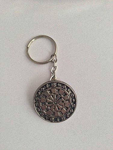 S17Dartscheibe aus feinem englischem Zinn an einem Schlüsselring mit Spaltring, handgefertigt, von prideindetails, mit Geschenkverpackung, handgefertigt in Sheffield.