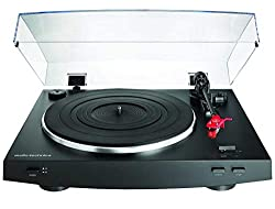 Fully automatic belt-drive turntable operation with two speeds 33-1/3 45 RPM Balanced straight tonearm with hydraulically damped lift control and lockable rest Built-in switchable phono/line pre-amplifier with attached dual RCA output cable Switchabl...