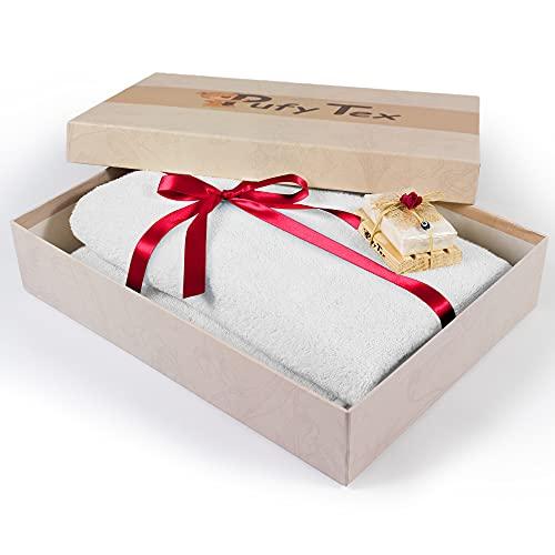 Pufy Tex Premium Saunahandtuch 100{5f3ff2cb29513cd4e53543b73751b5762a8f652e58881caf209c421012278f6e} Baumwolle mit 650g/m2 [70x140cm] inkl. Geschenkbox & Eselsmilchseife - XXL Badetuch für jeden Einsatzbereich - Extra flauschiges Handtuch groß für Damen&Herren