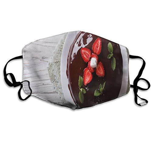 Van boven Foto Van Chocolade Cake Met Verse Aardbeien En Munten Op TablePrinting Veiligheid Mond Cover voor Volwassen