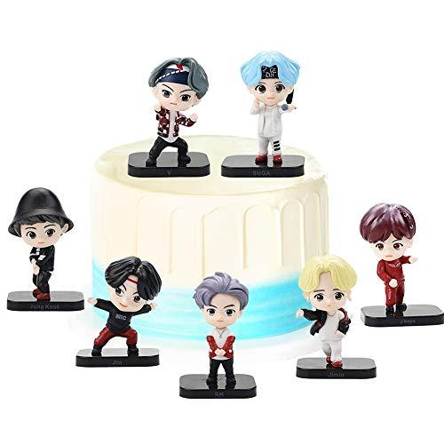 REYOKG BTS Cake Topper Pastel Decoración Suministros 7Pcs Bangtan Boys Figures Toy BTS Juguetes Muñeca Hecha a Mano Muñeca Decoración para niños Animales Juguetes Set