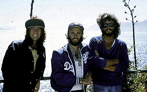 The Bee Gees am Strand Fotodruck (25 x 20 cm)