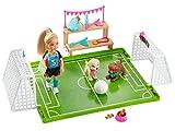 Barbie Dreamhouse Adventures Famille coffret Chelsea championne de foot, mini-poupée blonde, cages, ballon et accessoires, jouet pour enfant, GHK37
