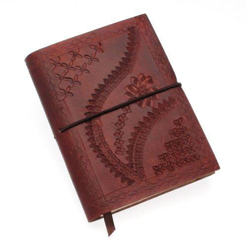 Fair Trade middelgroot reliëf notitieboek 105 x 145 mm chocoladebruin