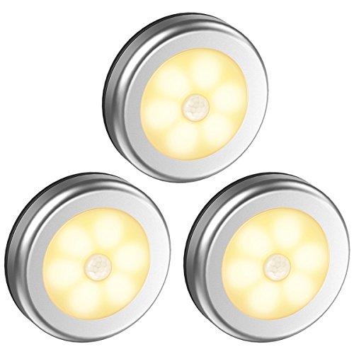 Oria Luz de Noche con Sensor de Movimiento, Luces Nocturnas 6 LED de Pilas con Almohadillas Adhesivas y Imán Integrado, Auto En/Apagado, Perfecto para Cuarto, Pasillo y Más - 3 Unidades/ Amarillo