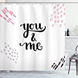 ABAKUHAUS Sprichwort Duschvorhang, You and Me Beschriftung, mit 12 Ringe Set Wasserdicht Stielvoll Modern Farbfest & Schimmel Resistent, 175x200 cm, Weiß Rosa Mauve