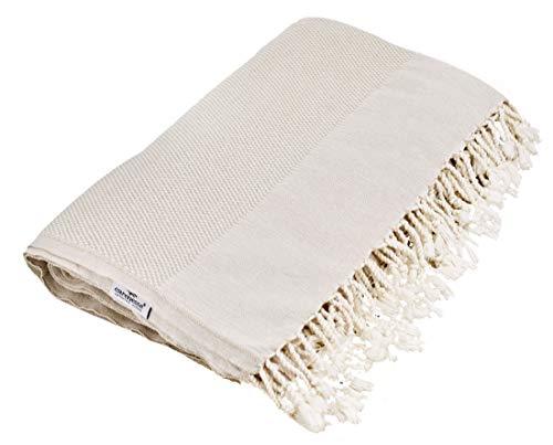 Carenesse Tagesdecke QUEEN SIZE FAVO Strick Optik beige, 240 x 200 cm, 100% Baumwolle, leichte dünne beidseitig schöne Decke mit kurzen Fransen, Überwurf für Bett Sofa und Couch, Tischdecke, Dekodecke