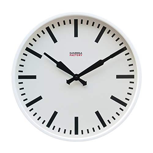 Cloudnola Factory klok – Stationsklok met cijfers – Moderne Designer wandklok – Wit, 45 cm diameter, tikt niet, werkt op batterijen