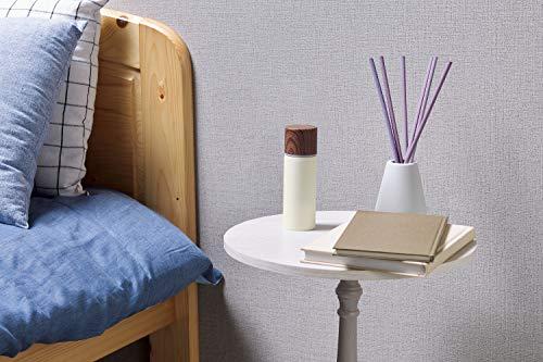 夜中のどが渇いたとき用に、お水を入れていつでも枕元に置いておくと便利。