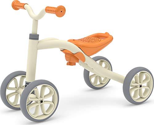 Chillafish Quadie stabile 4 ruote per bambini da 1 a 3 anni, 3 posti a sedere, grow-with-me ride-on con deposito biscotti sul sedile, ruote silenziose e adesivi personalizzazione, grigio