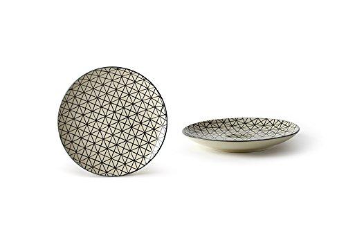 Fill – Teller-Set aus der Geometrie-Geschirrserie, gefertigt aus Steinzeug/Keramik, Farbe: Creme/Schwarz, Maße: 20,5 x 20,5 x 2,5 cm, Set aus 4 Tellern
