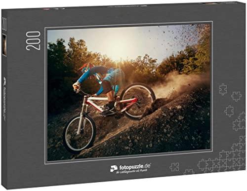 Puzzle 200 Teile Downhill-Mountainbike. Junger Mann Radfahrer zum Radfahren - Klassische Puzzle mit edler Motiv-Schachtel, Fotopuzzle-Kollektion 'Sport'
