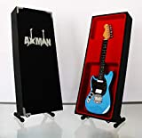 Axman Réplique miniature de la guitare Fender Mustang de Kurt Cobain (Nirvana) Réplique miniature de guitare Fender Mustang.